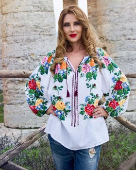 TRADITIONAL HANDMADE BLOUSE - Rose Bouquets Motif