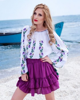 TRADITIONAL HANDMADE BLOUSE - Wild Pansies Motif