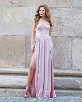 Robe de soirée rose métallique avec corset sans bretelles